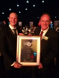 Bobby Jarratt and his manager, Tim Davidson, accepting the SAICE 2017 Awards for Most Outstanding Civil Engineering Project